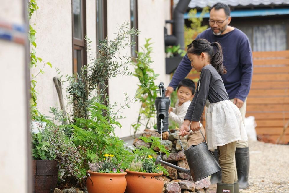 庭の水やりには雨水利用がオススメ