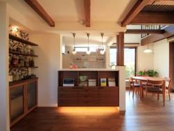 タイルの魅力は、色あせない ~浜松市のパッシブ注文住宅のマルベリーハウス(桑原建設)